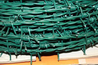 Ostnatý drát na plot, poplastovaný PVC, délka 100 m, drátu 2,0 mm - 1
