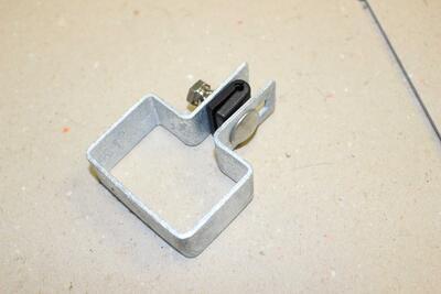 Koncová objímka na sloupek, pozink,  60x40 mm, pro 2D i 3D plotové dílce - 2