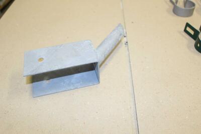 Držák plotové vzpěry na podhrabovou desku - 3