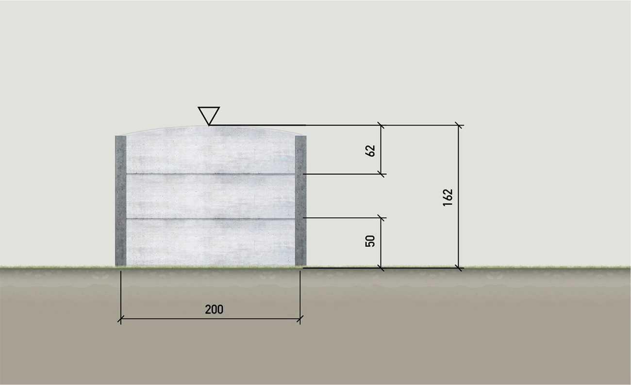 okotovaný betonový plot